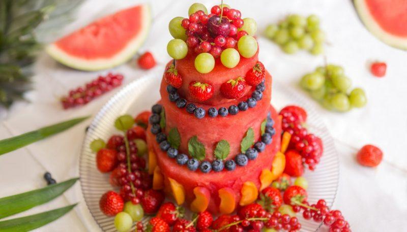Ausgefallene Torten Obstdeko