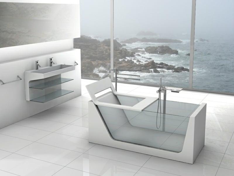 weißes bad mit glasbadewanne