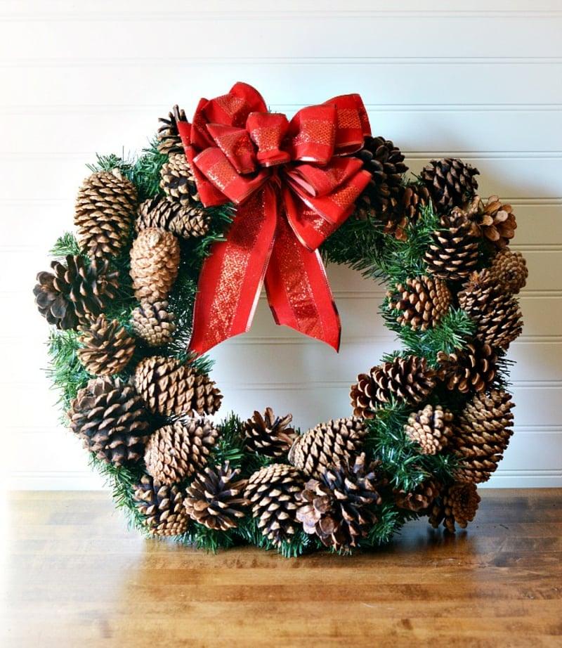 basteln mit tannenzapfen 50 diy ideen deko feiern diy weihnachtsdeko ideen zenideen. Black Bedroom Furniture Sets. Home Design Ideas