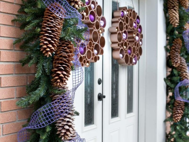 Basteln mit Tannenzapfen die Haustür dekorieren