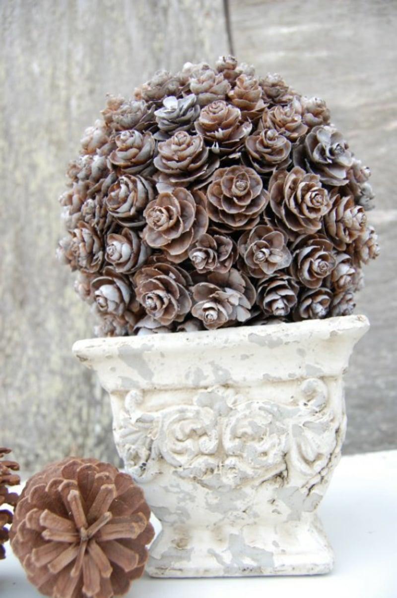 Basteln mit Tannenzapfen Blumentopf