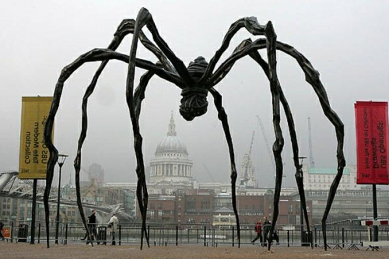 """berühmte-kunstwerke-""""Die Spinne"""" – London"""