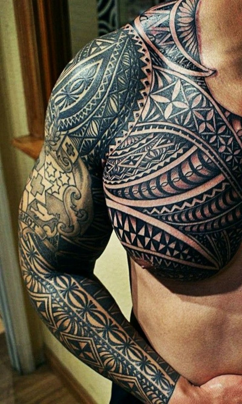 beste-tattoos-Half chest
