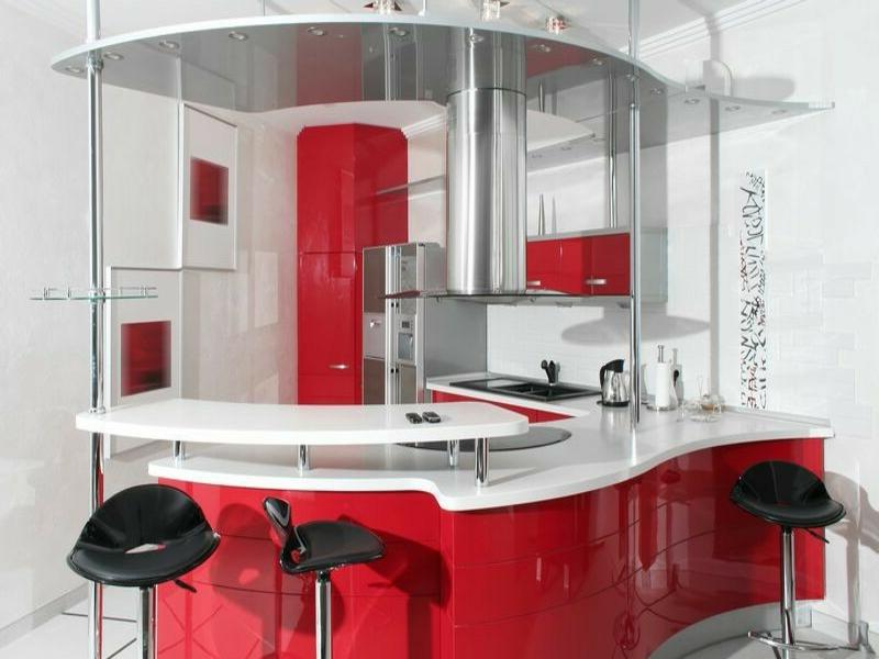 schicke kücheninsel in rot und weiß