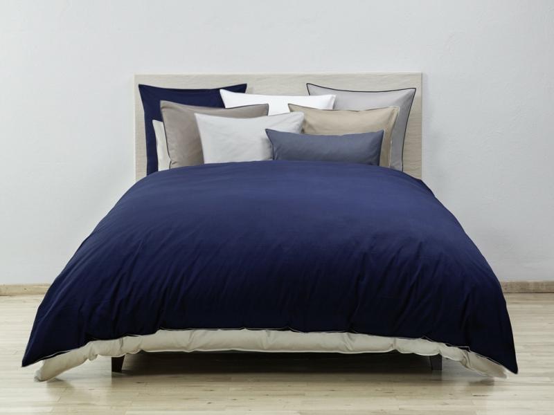 dunkelblaue schöne luxus bettwäsche