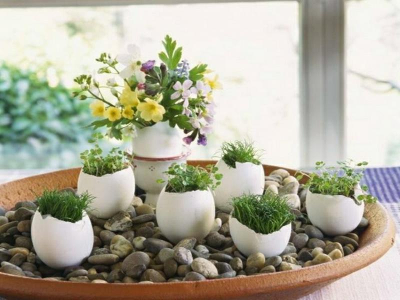 kreative weiße vasen für tischdekorationen