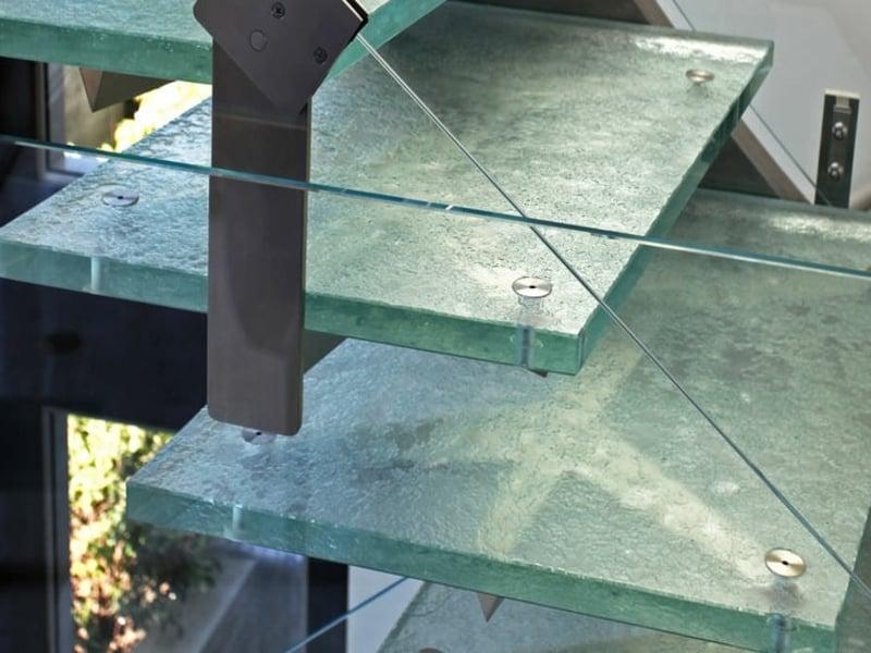dicke glastreppe