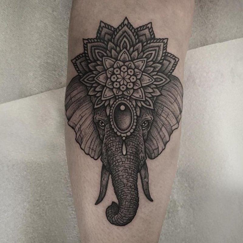 Elefant Tattoo Idee