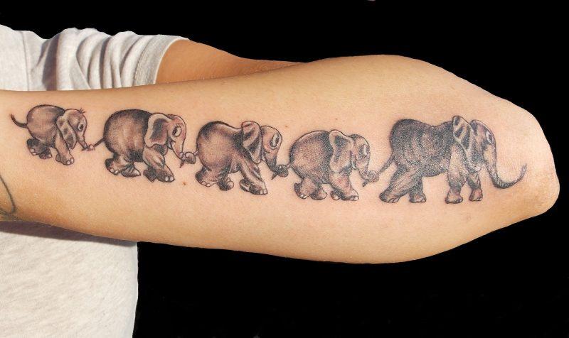 Elefant Tattoo Familie