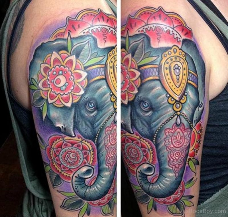 Elefant Tattoo Farbig