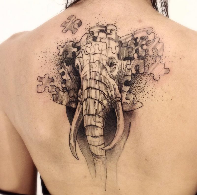 Elefant Tattoo Frauen Schulter