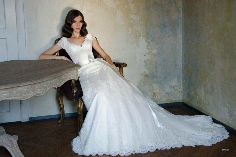 klassisches Hochzeitskleid