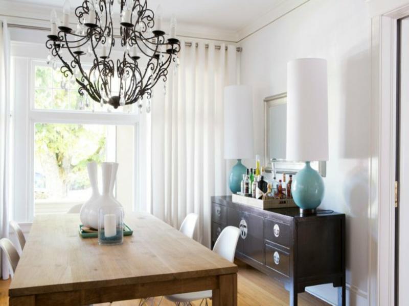 moderne esszimmerlampe mit holzelementen
