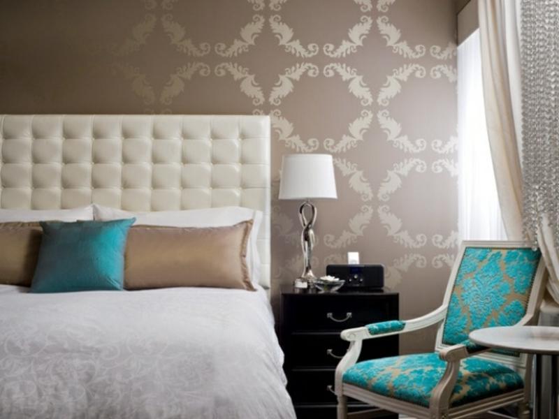 tükisch blaue akzente im luxus schlafzimmer