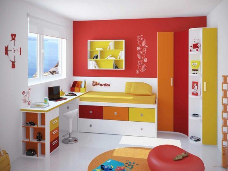 kinderzimmer in rot und grun