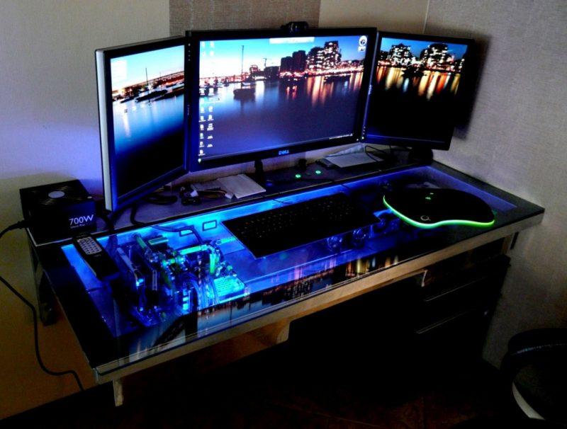 Gaming Schreibtisch Blaulicht