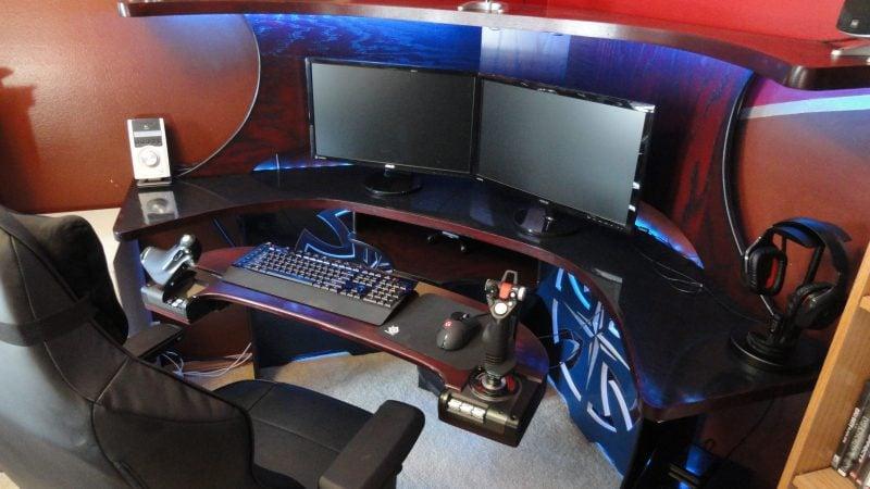 gaming paradies 17 ideen f r gaming schreibtisch innendesign m bel zenideen. Black Bedroom Furniture Sets. Home Design Ideas