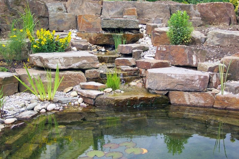 Gartenteich Bilder Brunnen