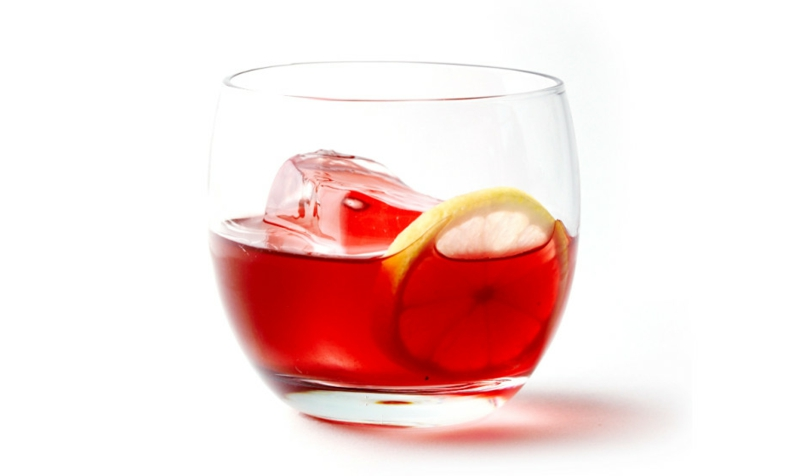hibiskustee-spiced-and-spiked-hibiscus-tea-940x560