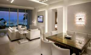 indirekte beleuchtung im weißen interieur