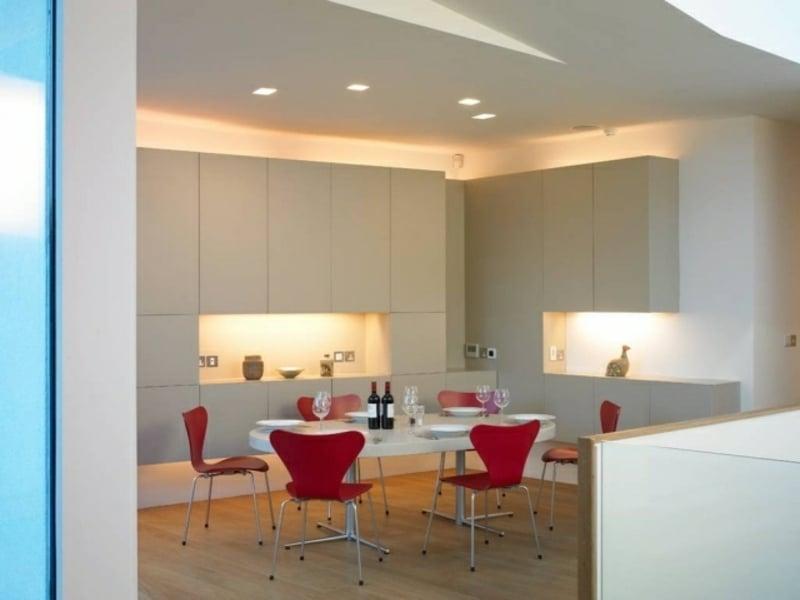 indirekte led beleuchtung in der küchenzelle