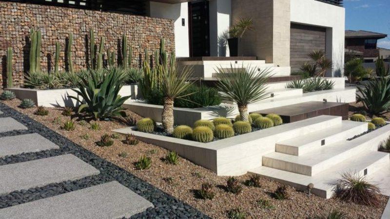 origineller Garten mit gabionenzaun