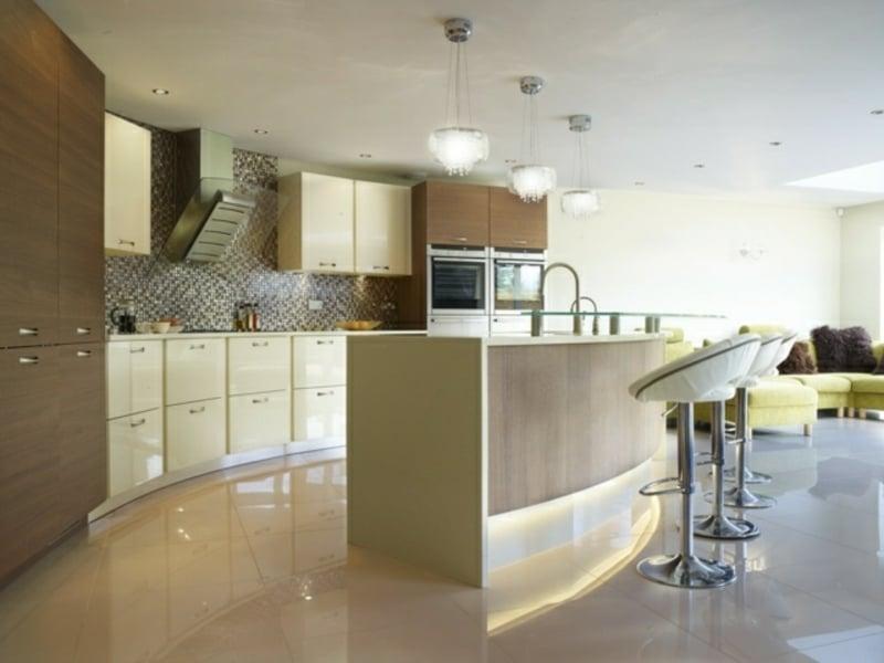 marmorfliesen unter der kücheninsel