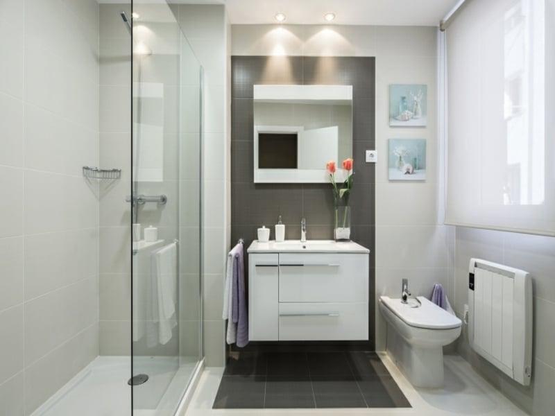 begehbare dusche mit glaselementen