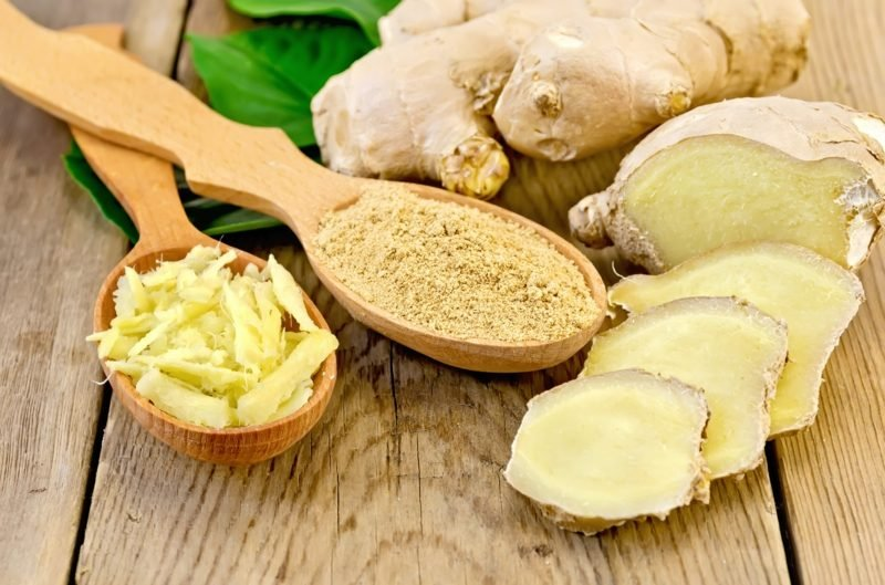 natürliche antibiotika ginger pulver und gerieben