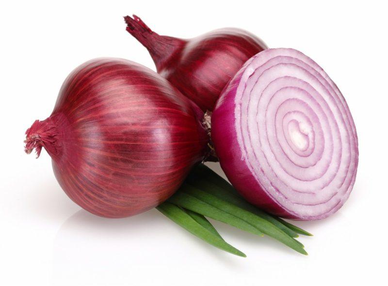 natürliche antibiotika drei rote zwiebel
