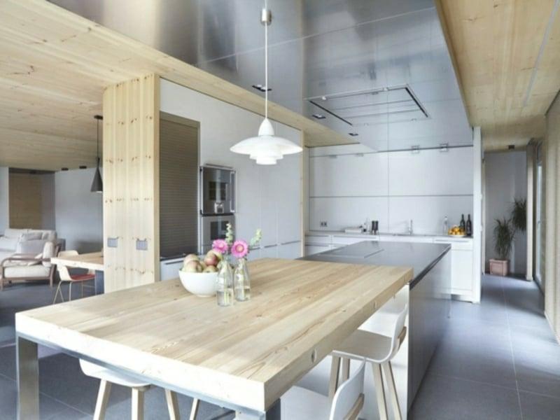 moderne kücheninsel und tsch