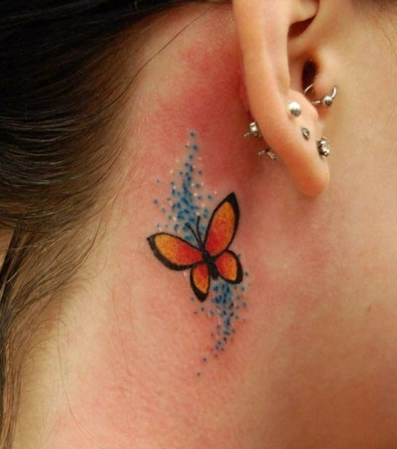 kleiner stilisierter Schmetterling Tattoo