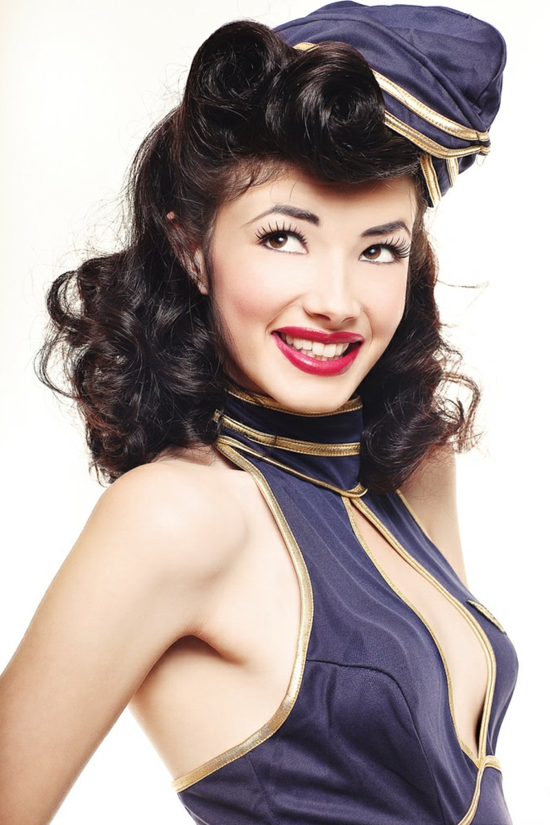 rockabilly-frisuren-AIR HOSTESS