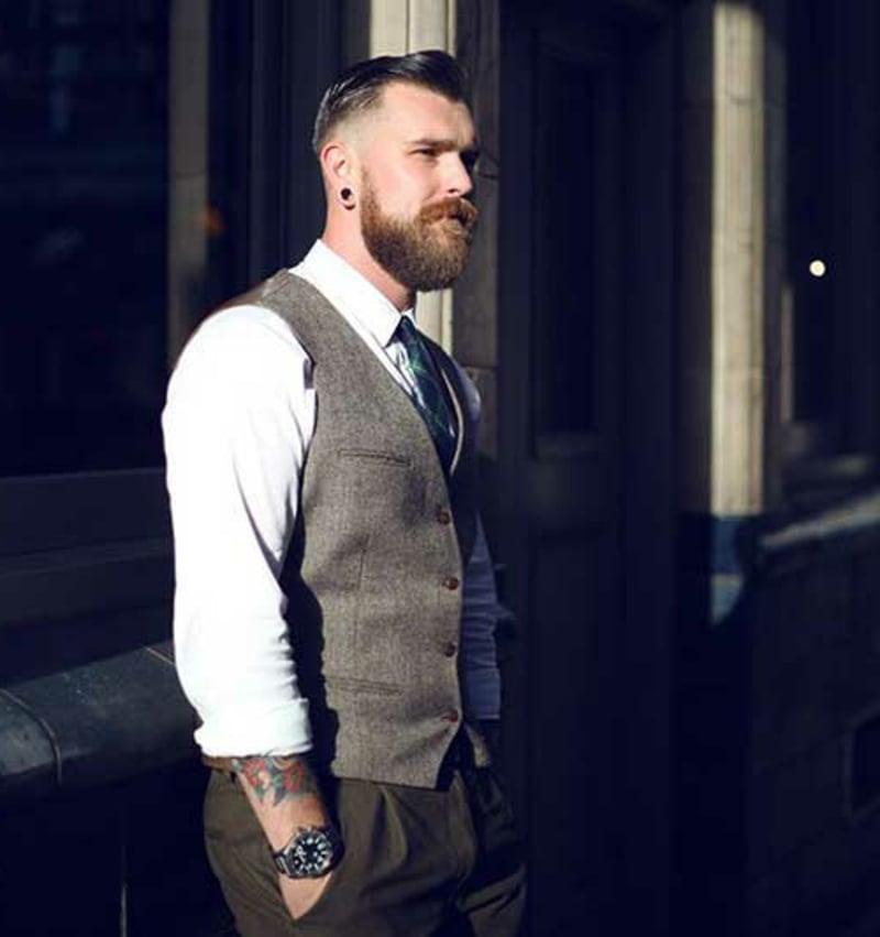 rockabilly-frisuren-männer-Rockabilly Dark Bright Hairstyle for Men