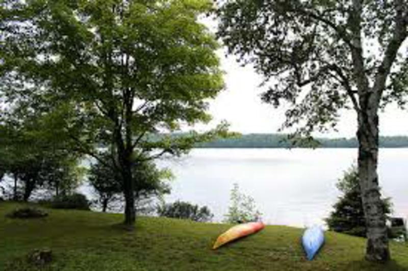 romantische-ideen-A weekend getaway by a lake