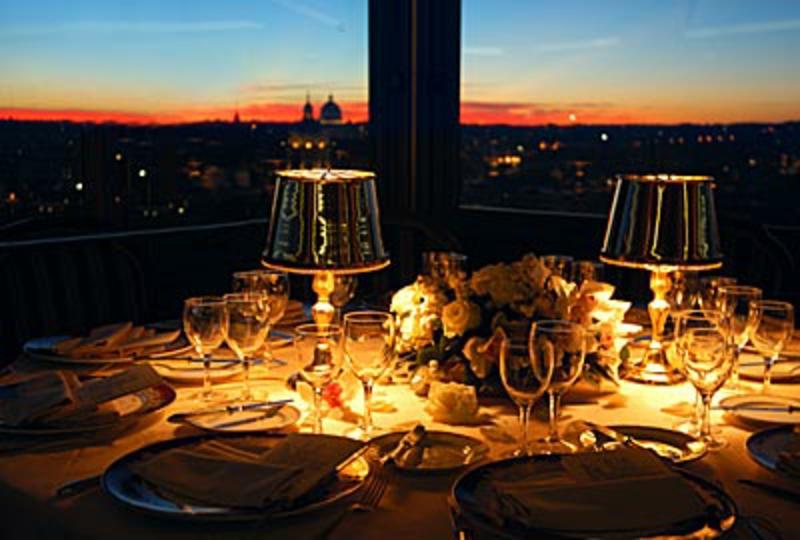 romantische-ideen-Rooftop dinner dining-rooftop-Hassler Hotel