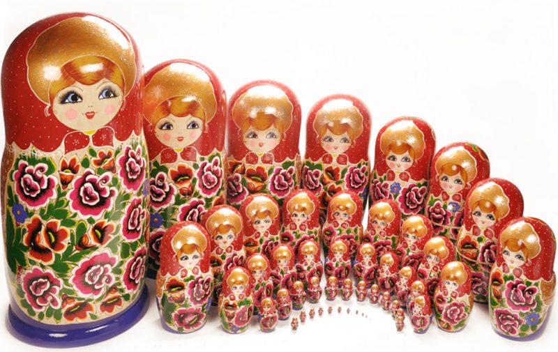 russische puppen traditionell