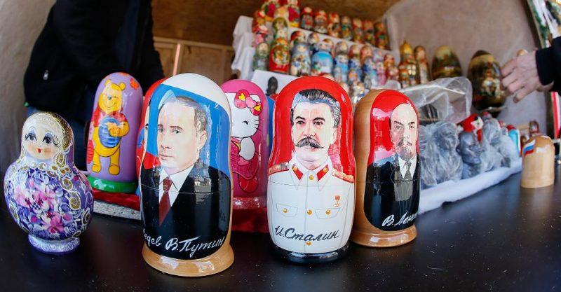 russische puppen lächerlich