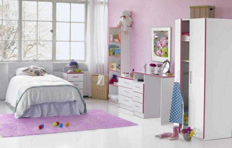 Mädchenzimmer in Lila