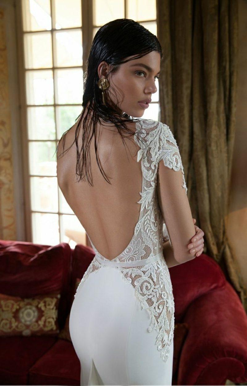 atemberaubendes Brautkleid rückenfrei