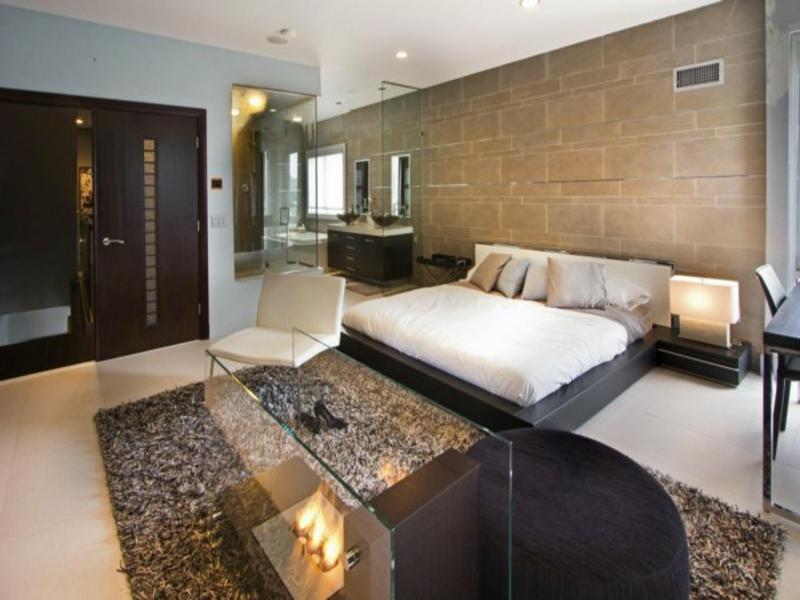 moderne feuerstelle im schlafzimmer