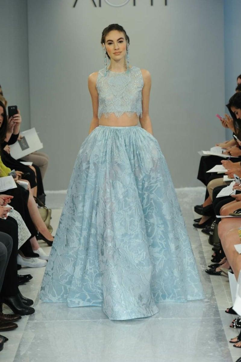 Hochzeitskleid im Hellblau