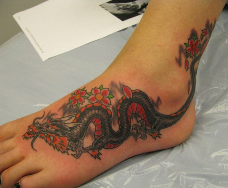 tattoo-drache-16-Dragon_Tattoo_by-drewgovan