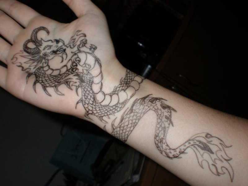 tattoo drachen Dragon Tattoo by Saera Song