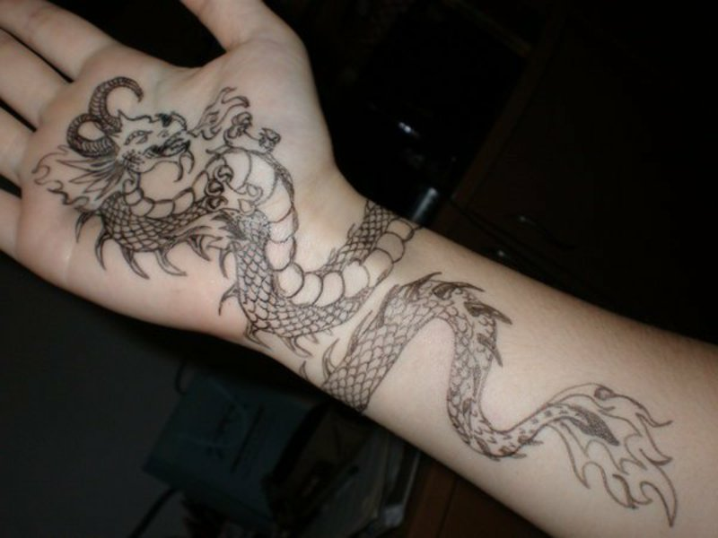 Dragon Tattoo by Gakkin Gakkin