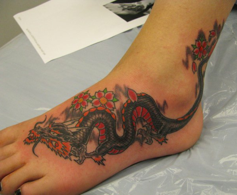 tattoo-drachen Dragon Tattoo by drewgovan