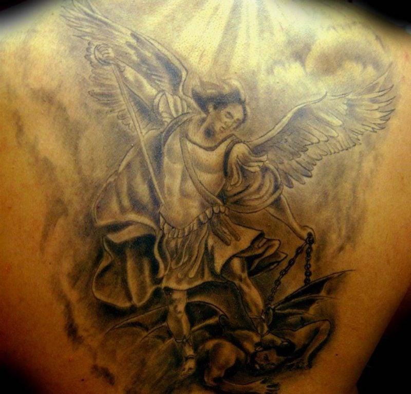 die  besten engel tattoos die ihnen fluegel geben