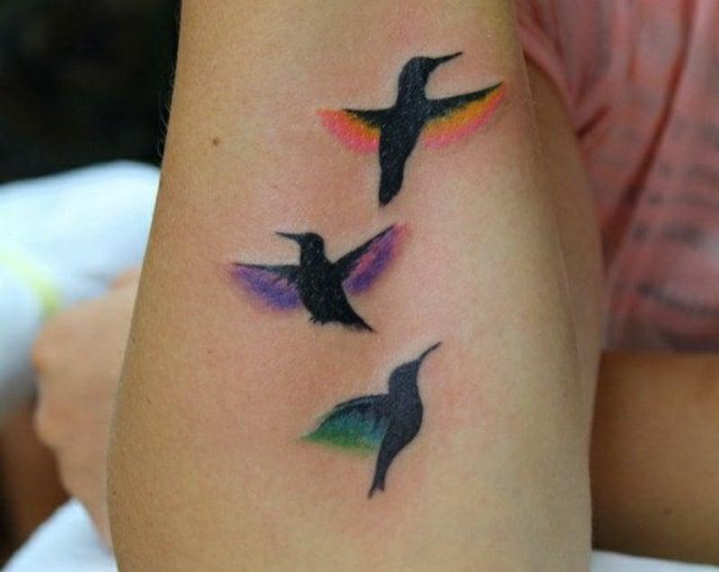 tattoo-kolibri-Three-Flying-Hummingbird-Tattoo-Design-For-Arm