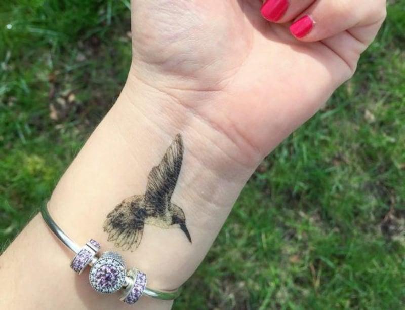 tattoo-kolibri-tattoomotive.net_kolibri-tattoos-und-die-bedeutungen-21