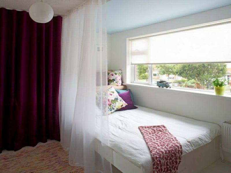 designer lila fenstervorhänge im teenage schlafzimmer